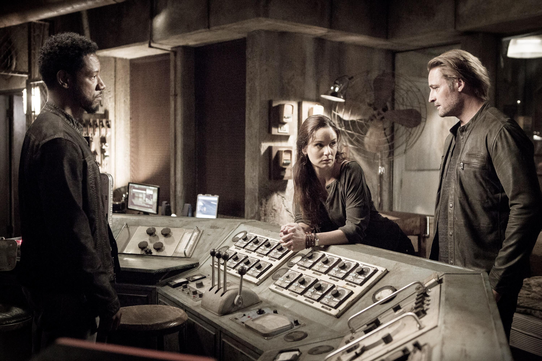 Colony Staffel 2 - 008