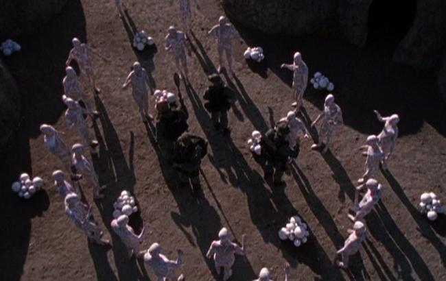 Stargate SG-1 - Lexikon - Bewohner von PJ2-445 2