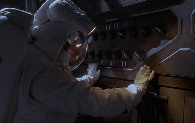Stargate: Atlantis - Lexikon - Antiker Verteidigungssatellit 3