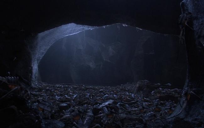 Stargate: Atlantis - Lexikon - Iratus-Käfer Höhle 2