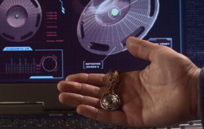 Stargate: Atlantis - Lexikon - Wraith Mini-Sender 1