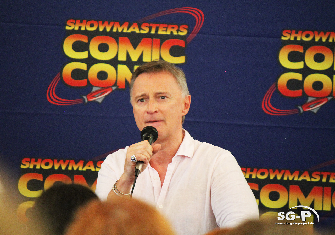 London Film and Comic Con 2019 - Robert Carlyle 12