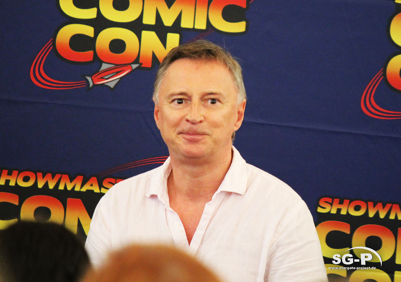 London Film and Comic Con 2019 - Robert Carlyle 16