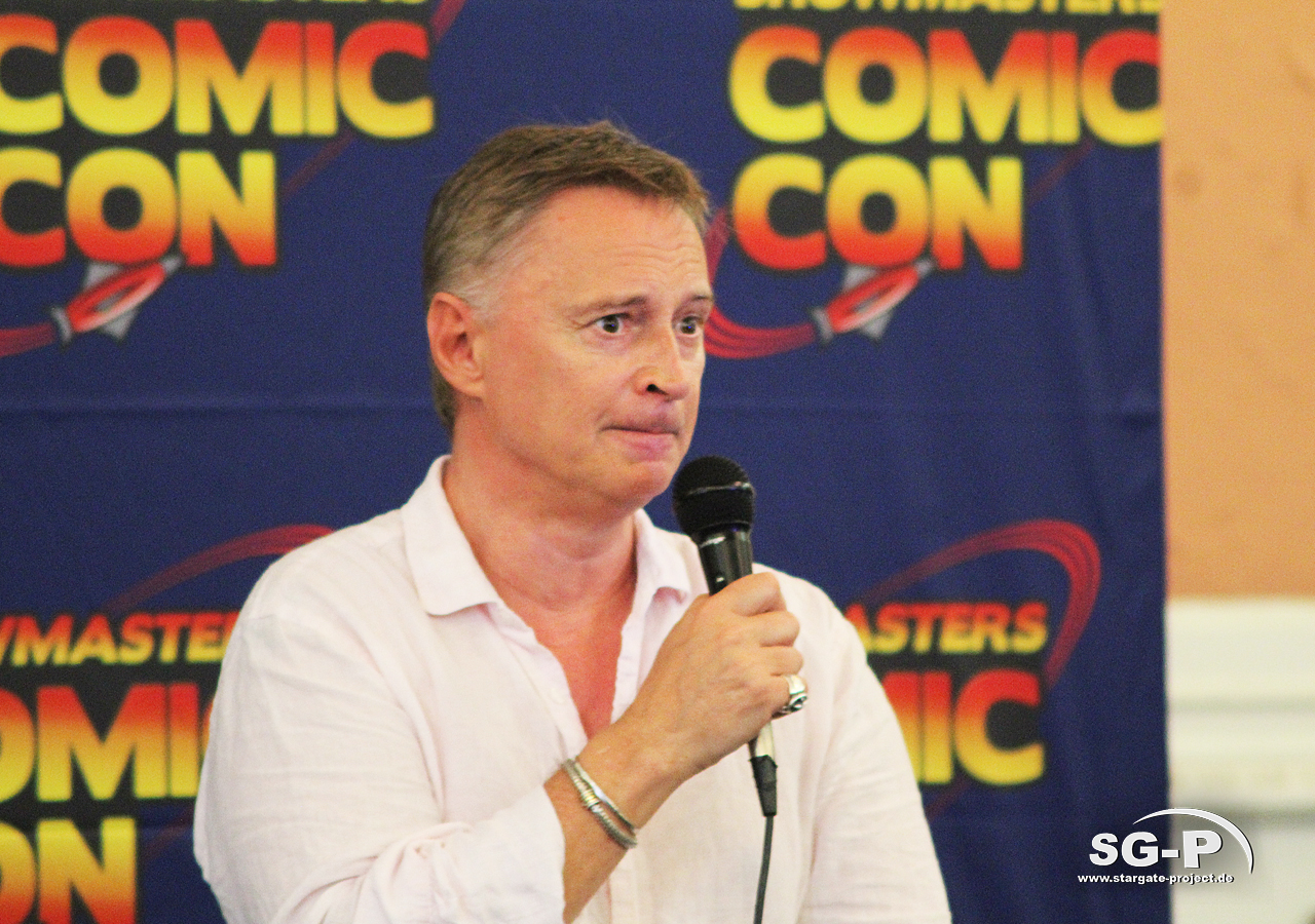London Film and Comic Con 2019 - Robert Carlyle 3