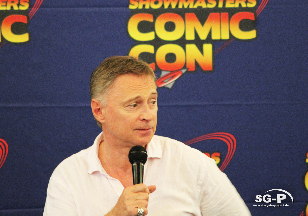 London Film and Comic Con 2019 - Robert Carlyle 7