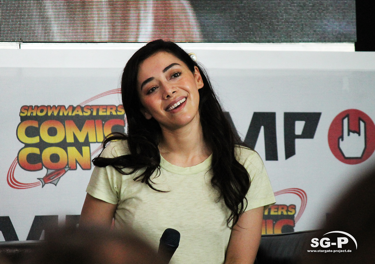 London Film and Comic Con 2019 - Lucifer - Aimee Garcia 15