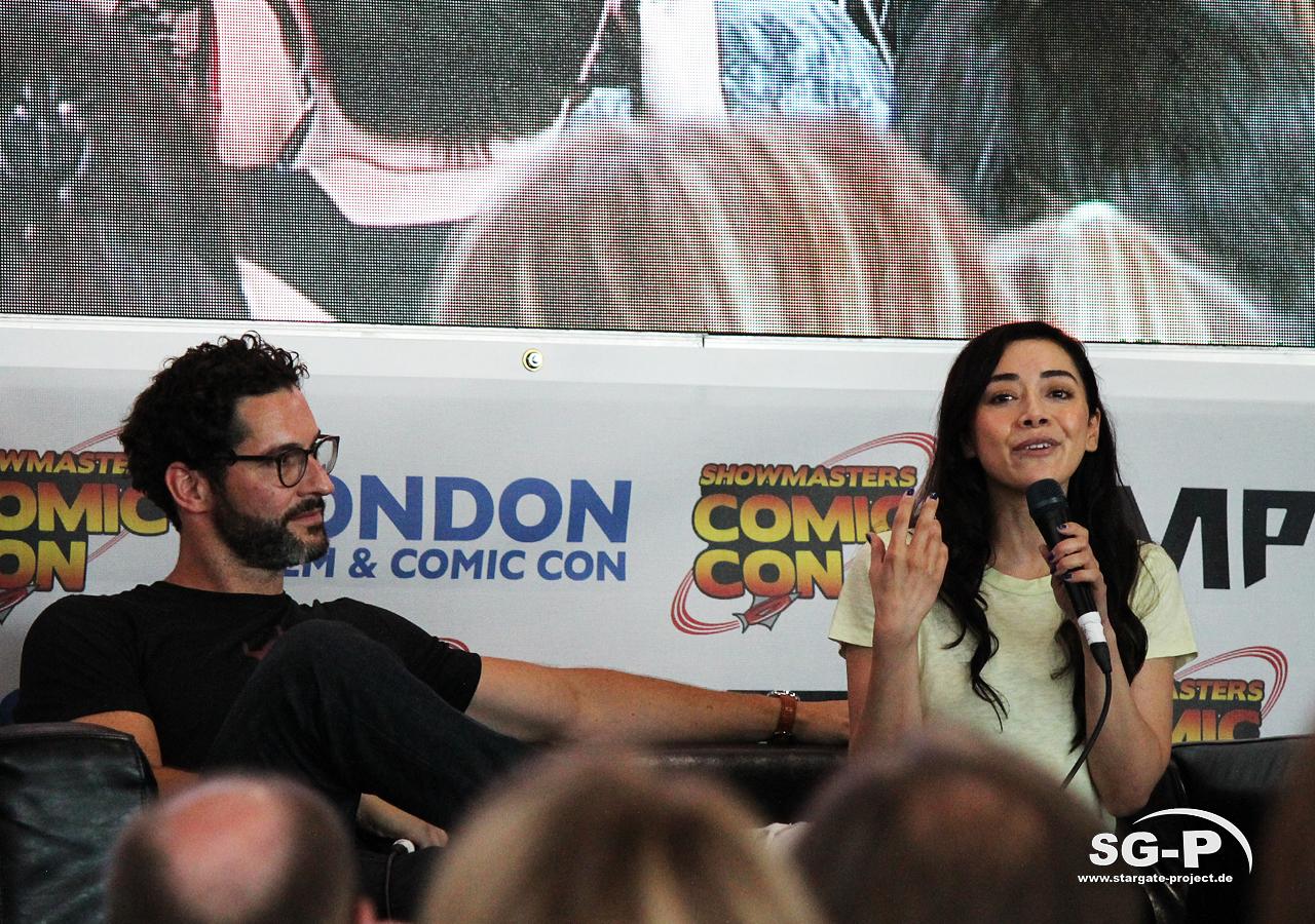 London Film and Comic Con 2019 - Lucifer - Tom Ellis Aimee Garcia 11