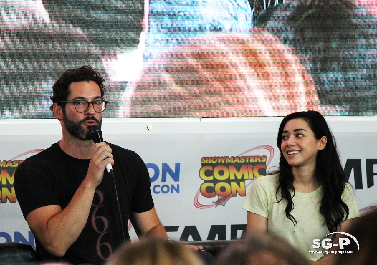 London Film and Comic Con 2019 - Lucifer - Tom Ellis Aimee Garcia 16