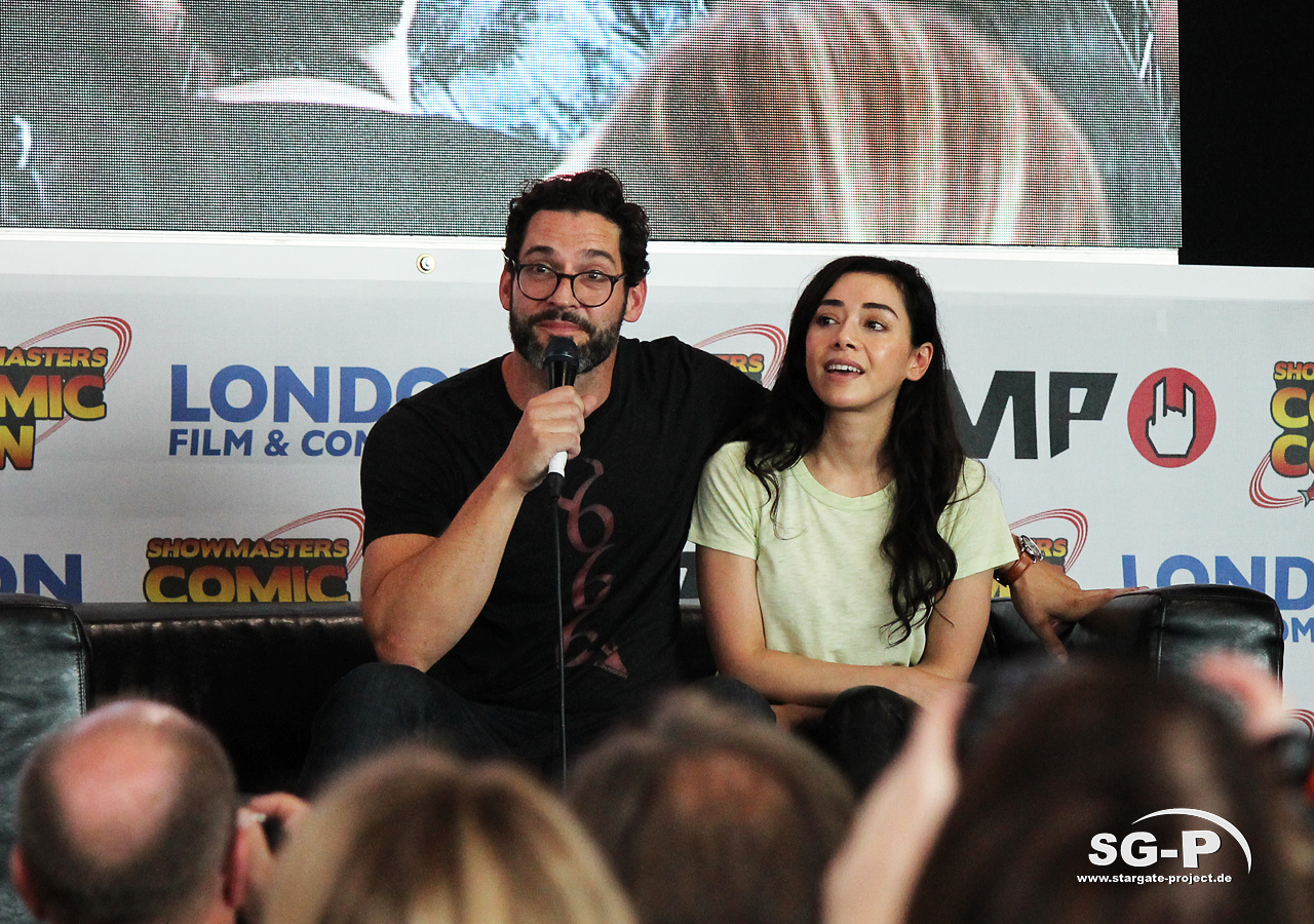 London Film and Comic Con 2019 - Lucifer - Tom Ellis Aimee Garcia 7