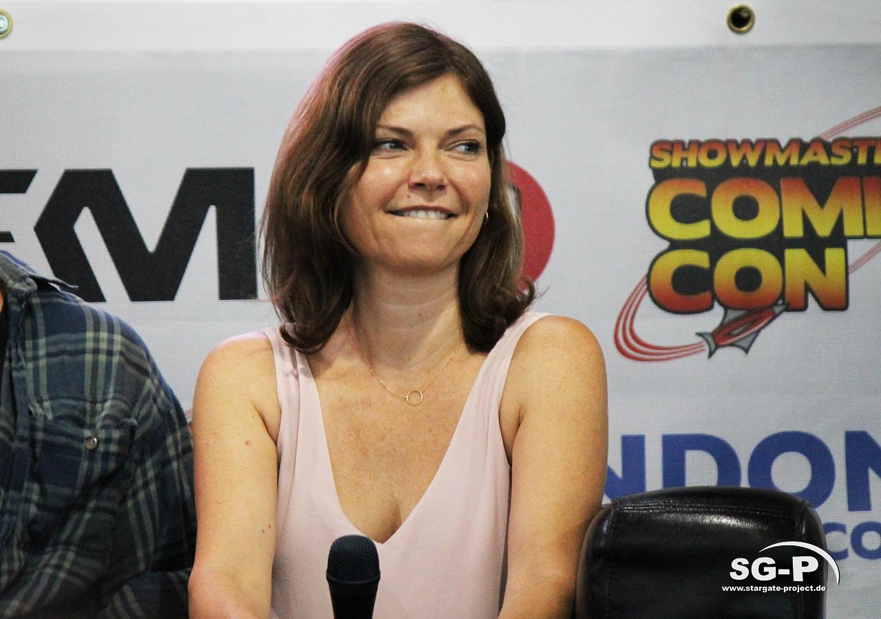 London Film and Comic Con 2019 - Star Trek - Nicole de Boer 7