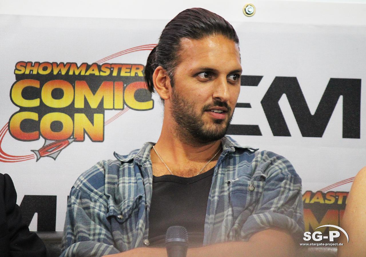 London Film and Comic Con 2019 - Star Trek - Shazad Latif 18