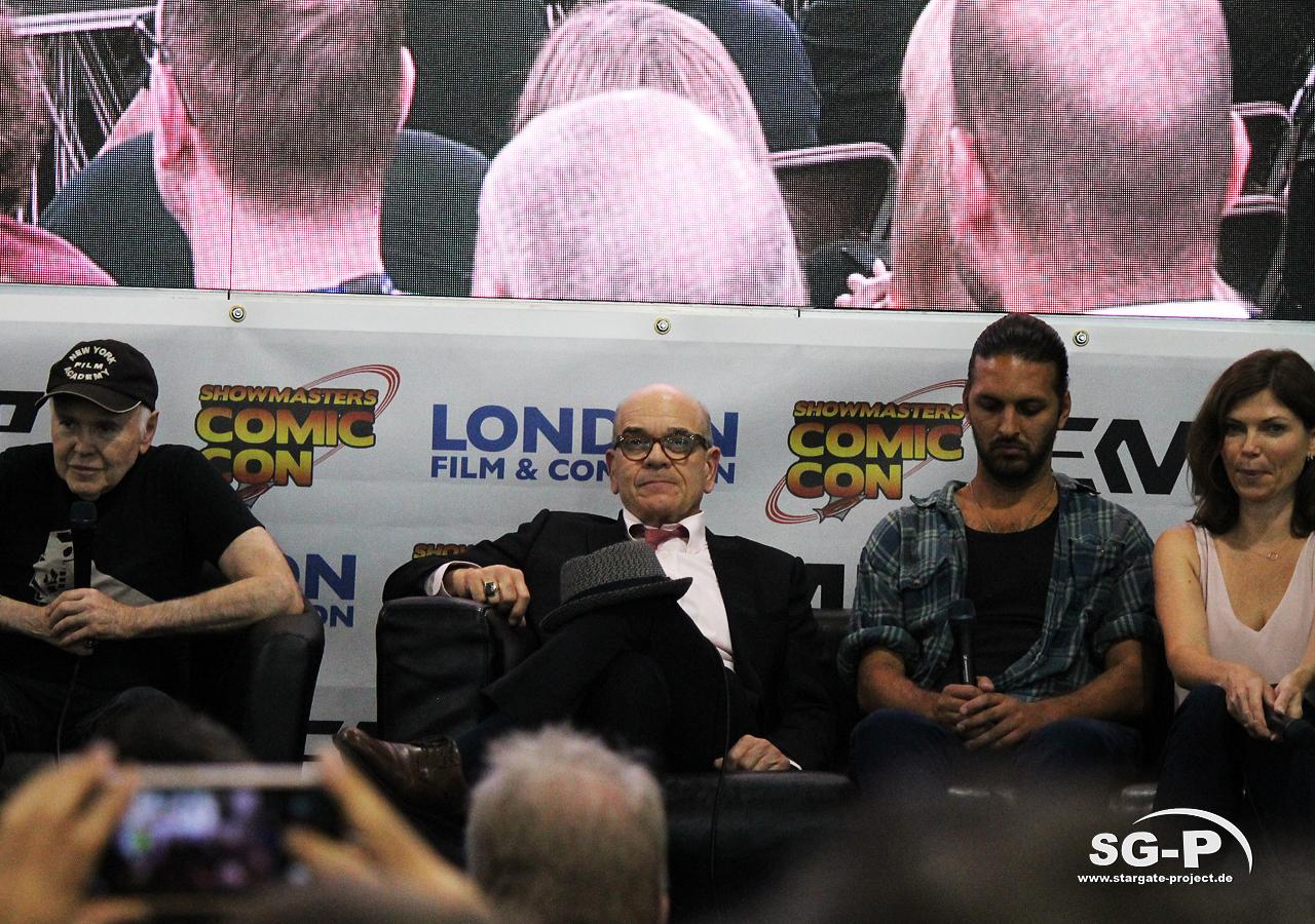 London Film and Comic Con 2019 - Star Trek - Walter Koenig Robert Picardo Shazad Latif Nicole de Boer 1